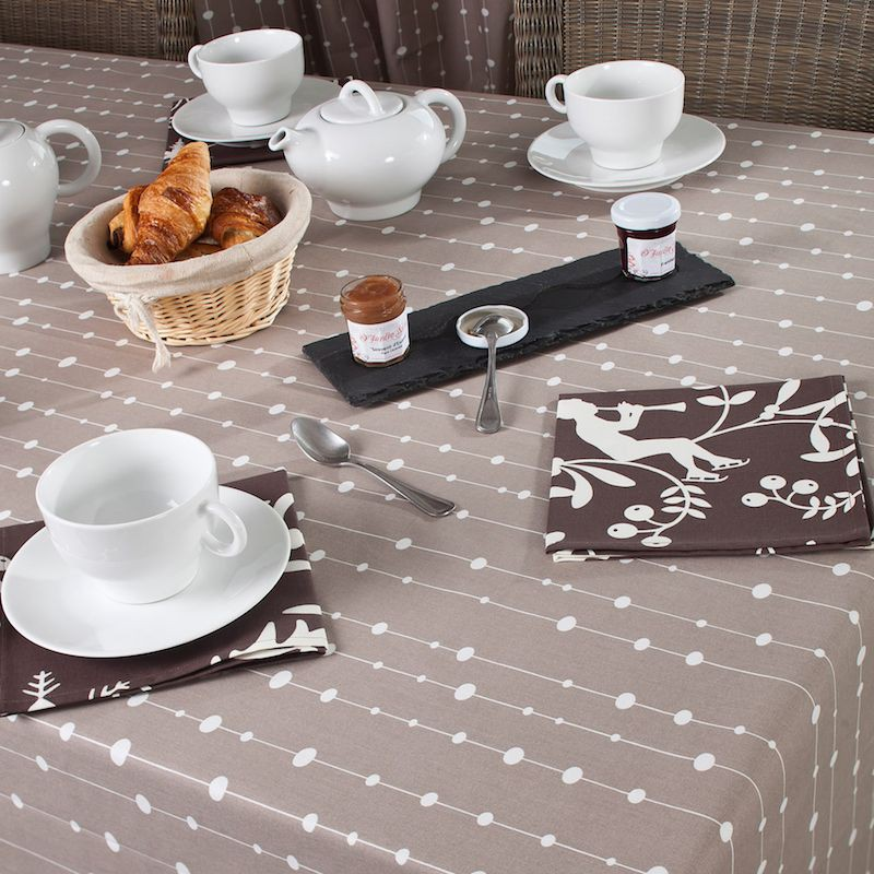 Nappe enduite ronde ou ovale perles taupe for Table ronde ou ovale