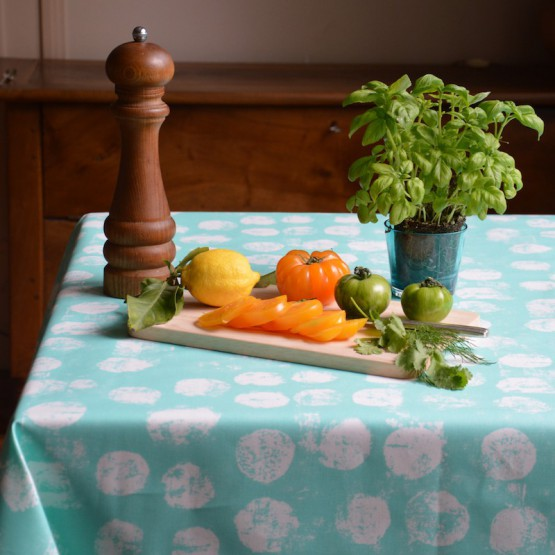 Wipe clean tablecloth Pastille mint round or oval
