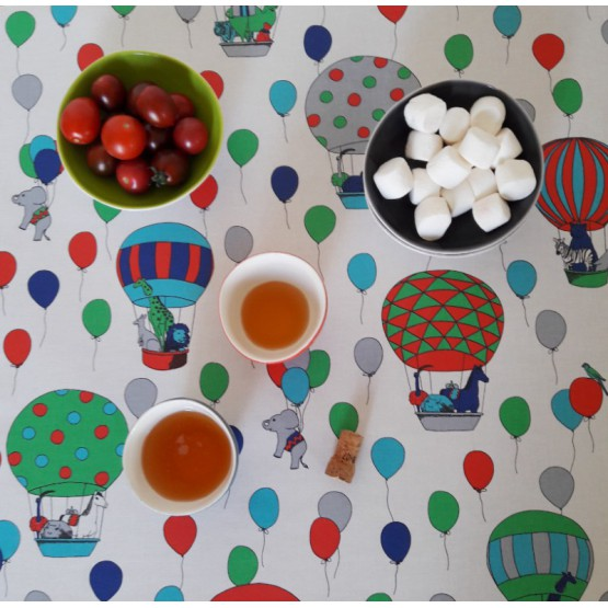 Wipe clean tablecloth Circus blue