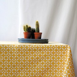 Wipeable square tablecloths