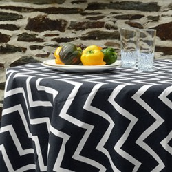 Wipeable round tablecloths